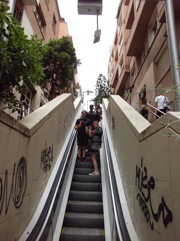 Rolltreppe mitten in der Stadt