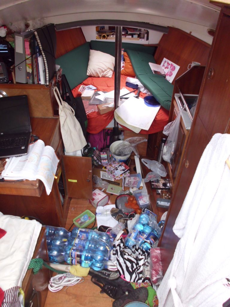 Chaos nach einer anstrengenden Nachtfahrt