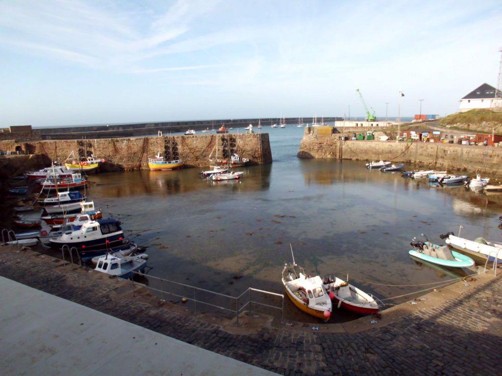 der innere Hafen von Alderney