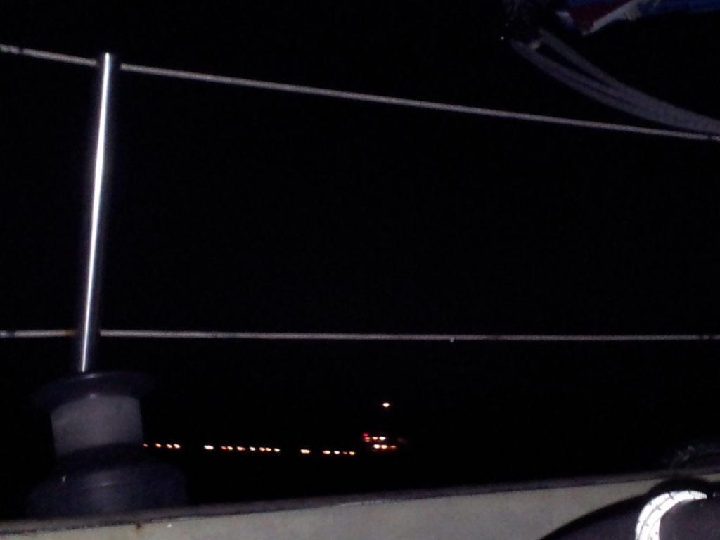 Riesenboot neben uns