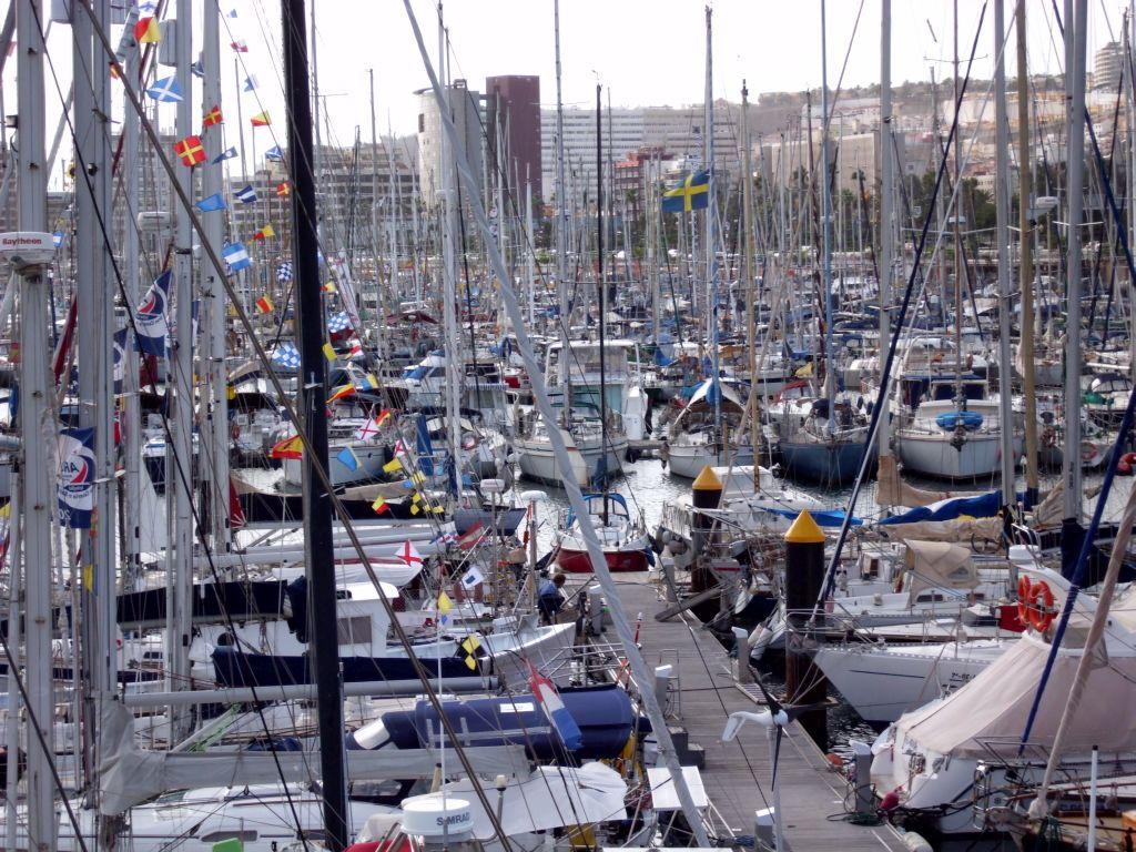 Hunderte ARC-Boote in der Marina Las Palmas