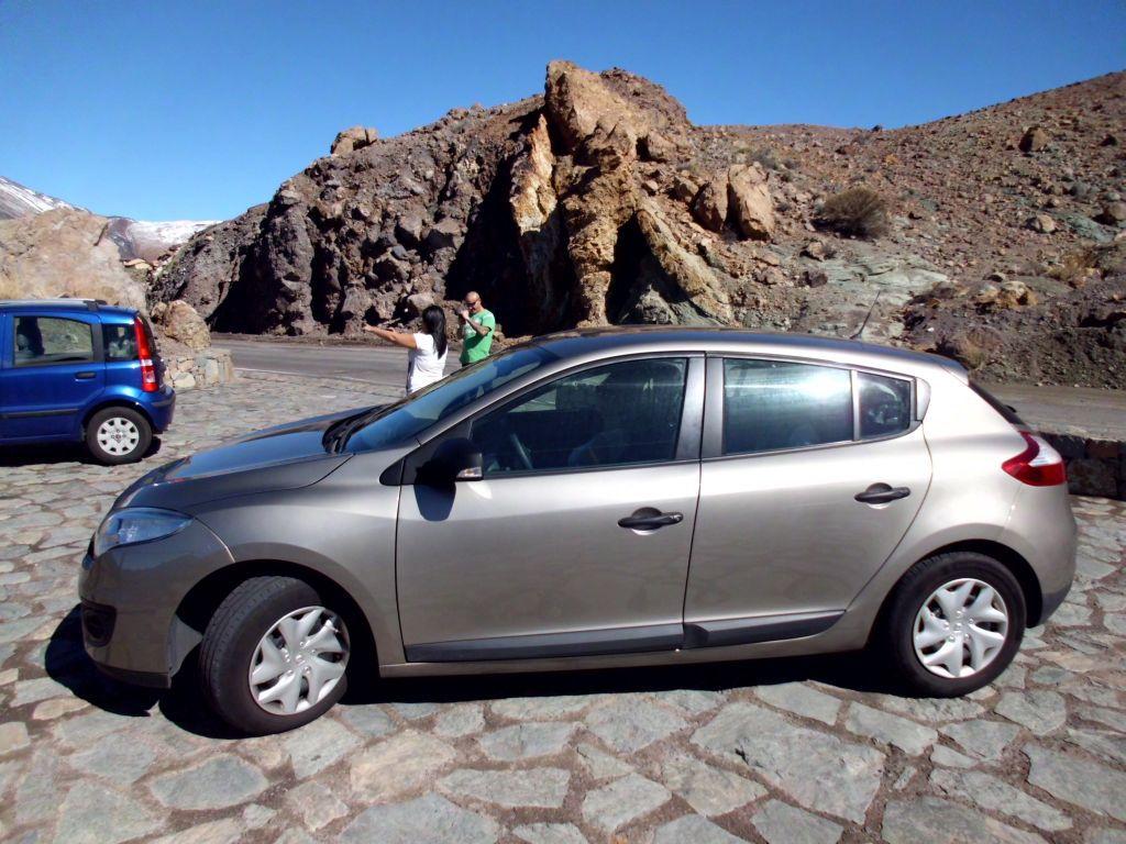 Sweet Ride: Der Megane bringt uns problemlos auf 2200 m und wieder hinunter