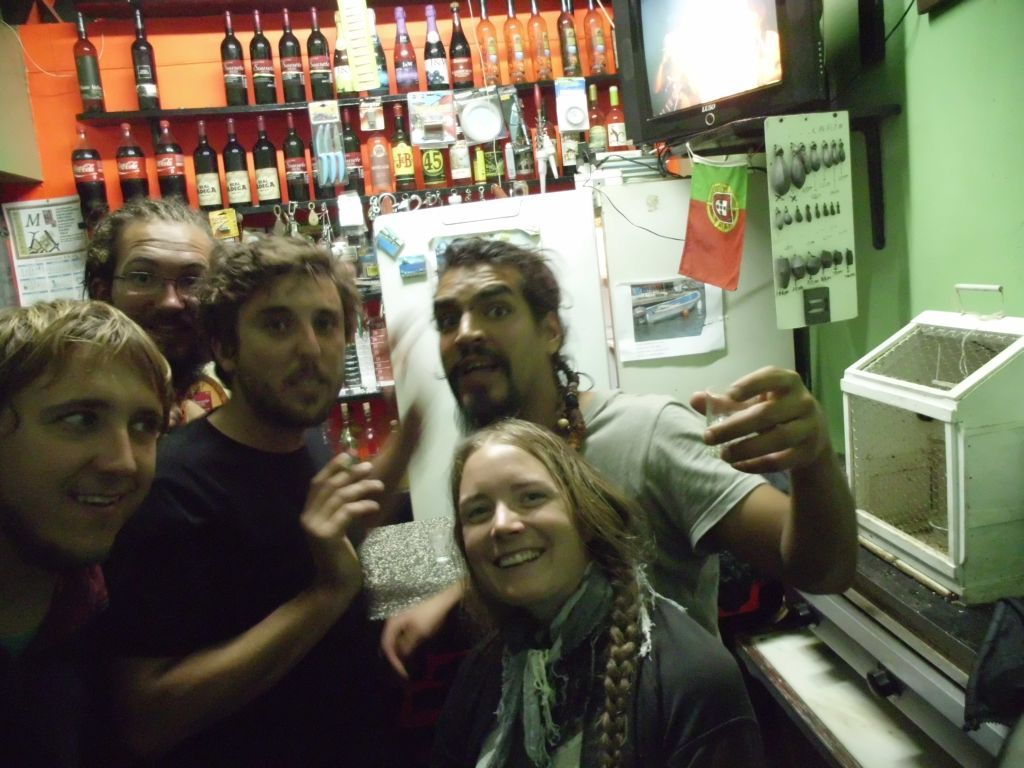 Viel Grogue für kleines Geld gemeinsam mit Niles, Juan Carlos und Joris