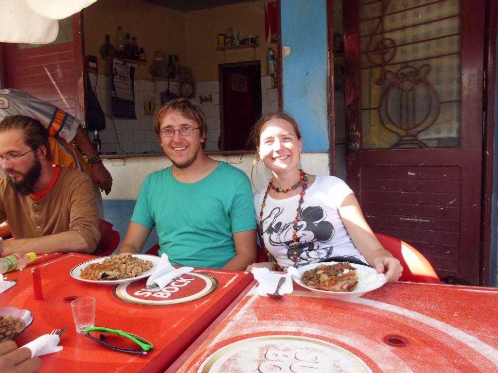 Eine Cachupa am Markt