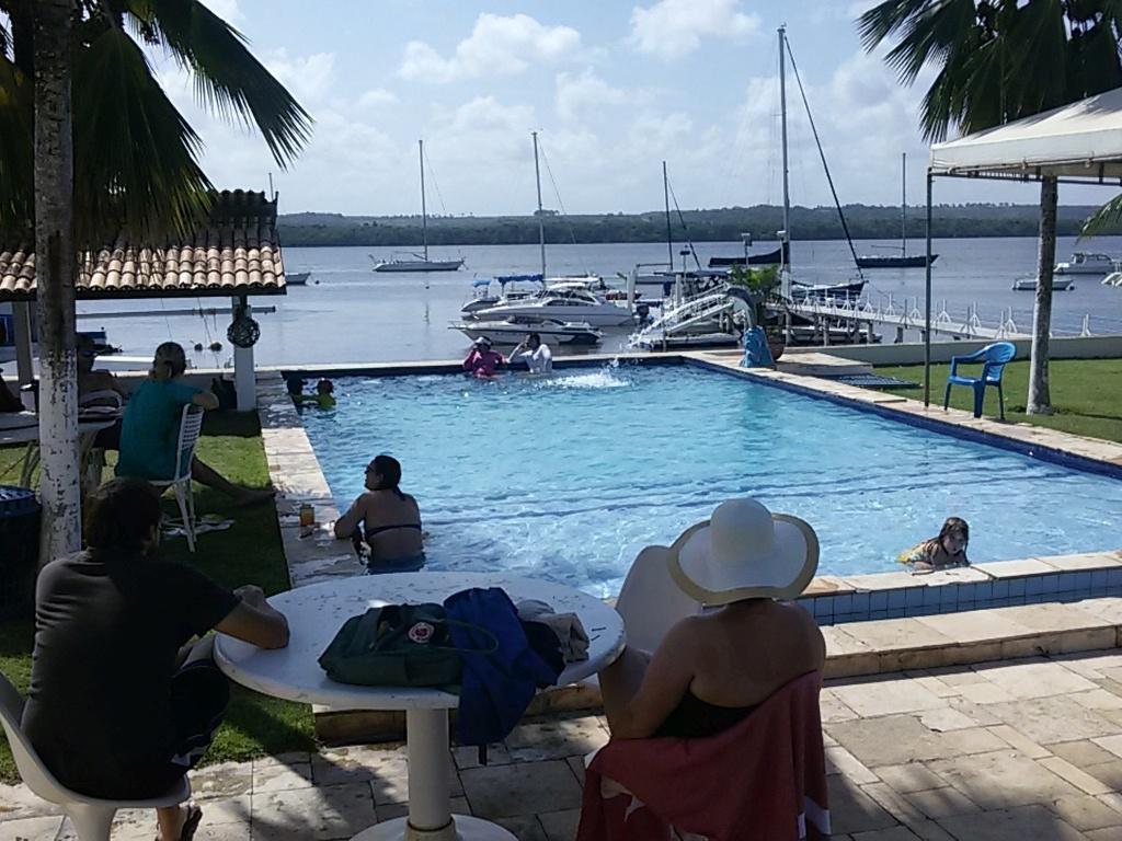 der Pool im Yachtclub
