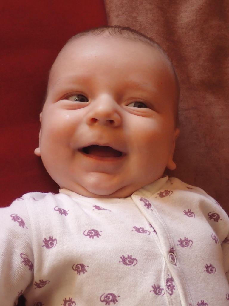 der Willi ist ein fröhliches Baby