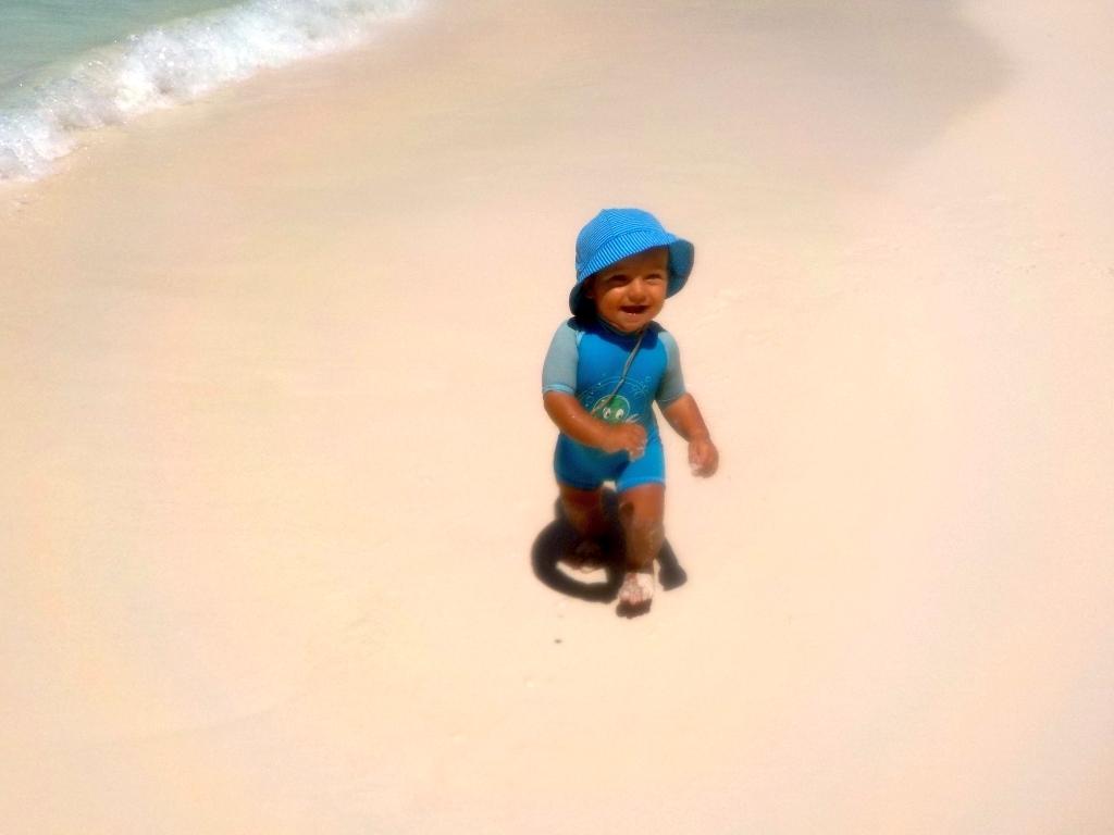 Willi spaziert durch den Sand